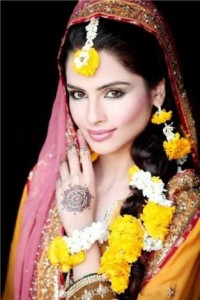 Flower Jewellery for Mehndi