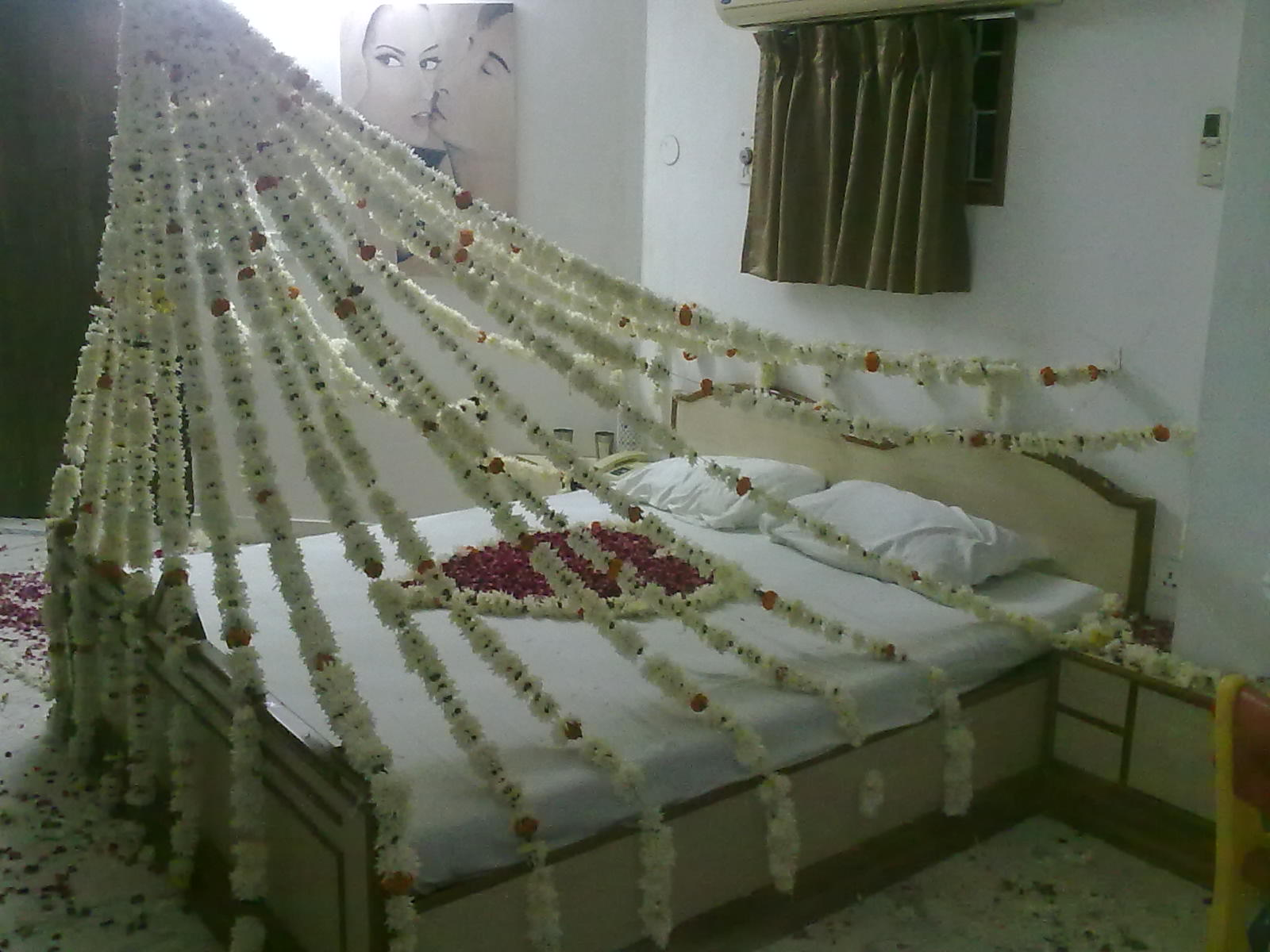 Bridal bed room decoration 44 flower n petals bridal bed room decoration 44 junglespirit Images