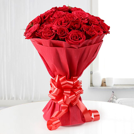 Pure Love red Roses hand bunch